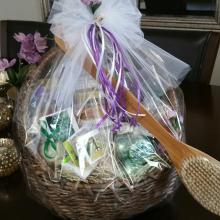gift_basket_80a.jpg