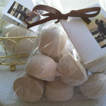14 bath bombs (Ambra Ciocollata) gift bag bath fizzies, great for dry skin, shea, cocoa, 7 ultra rich oils - AWESOME