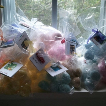 50 Bath Bombs fizzies with 5-6 bath bombs per bag (1 oz each) (10 gift bags) try our NEWEST Fragrances