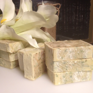 Cucumber & Mint Essential Oil Luxury Spa Bar with Shea & Cocoa Butter, real cucumbers, Peppermint Essential Oil & zinc oxide