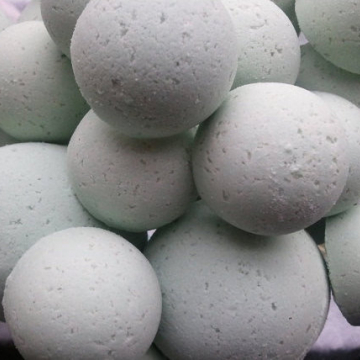 14 bath bombs Eucalyptus & Spearmint essential oils gift bag bath fizzies, especially good for colds and flus