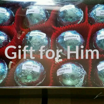 Gift Set for Him with 12 foil wrapped 2.5 oz bath bombs, great for dry skin, Manly Scents